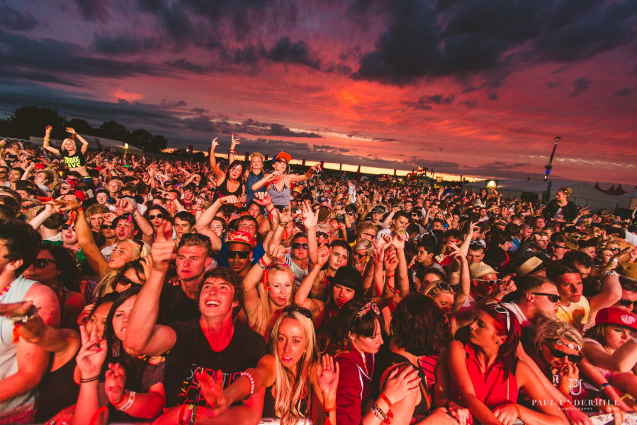 Festival sunsets lifestyle photography 00002