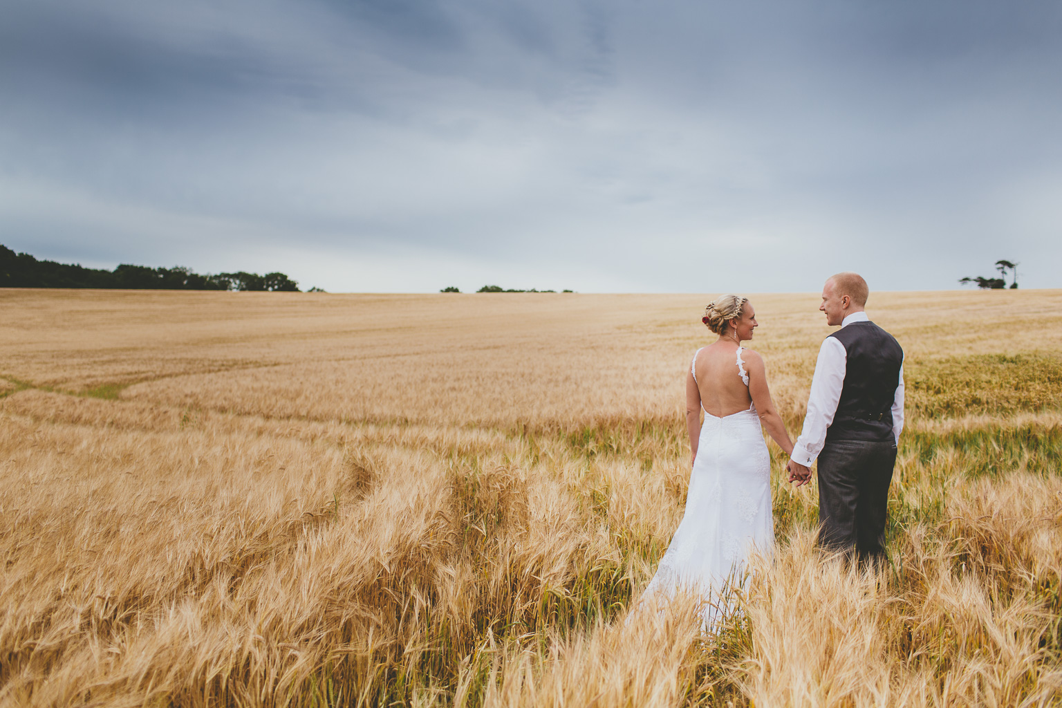 Wiltshire-wedding-photographers-00007