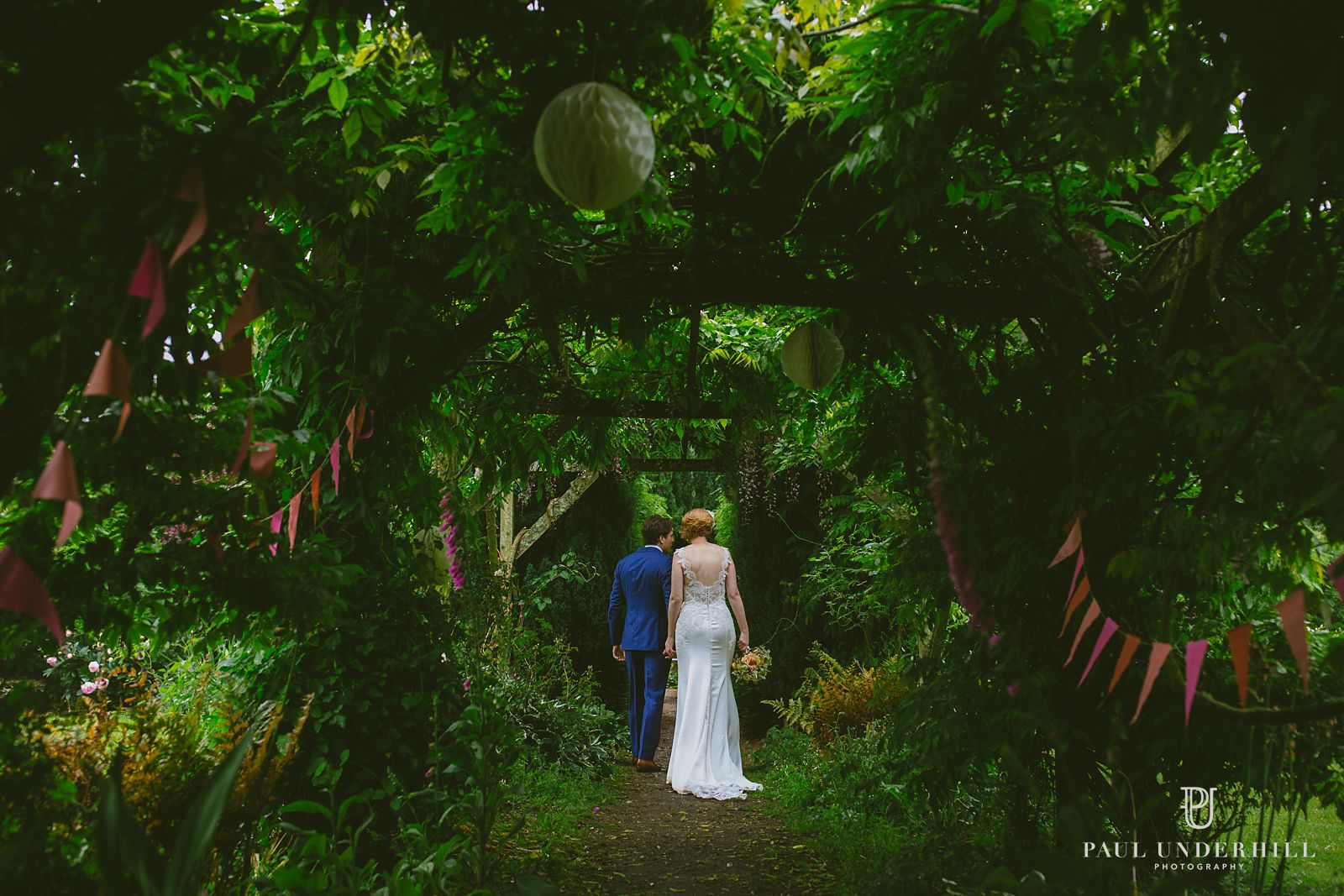 Manor House Moreton gardens wedding