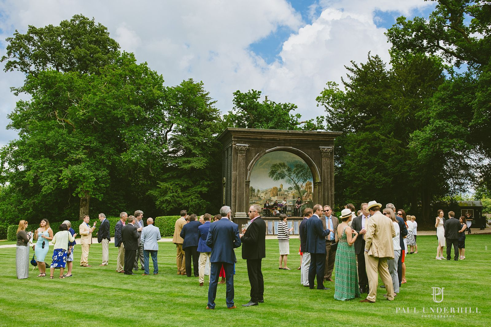 Outdoor wedding venues in Wiltshire