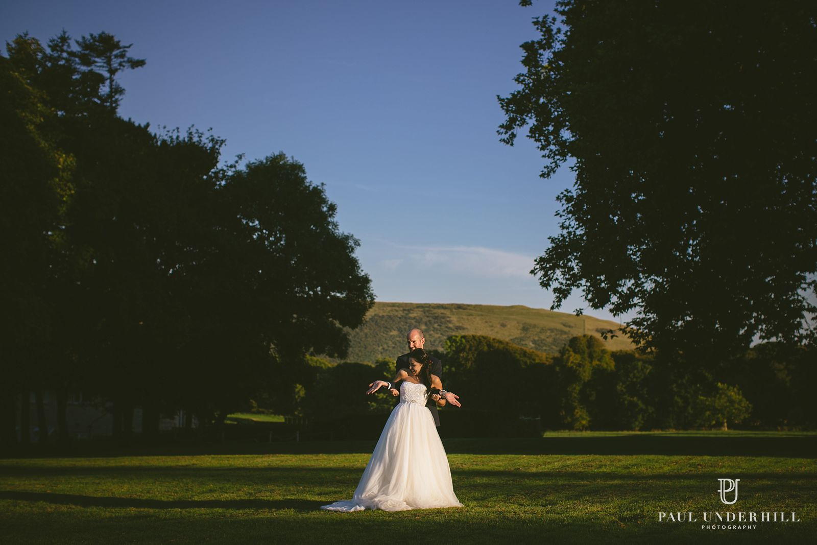 alternative-bride-and-groom-portraits-in-dorset