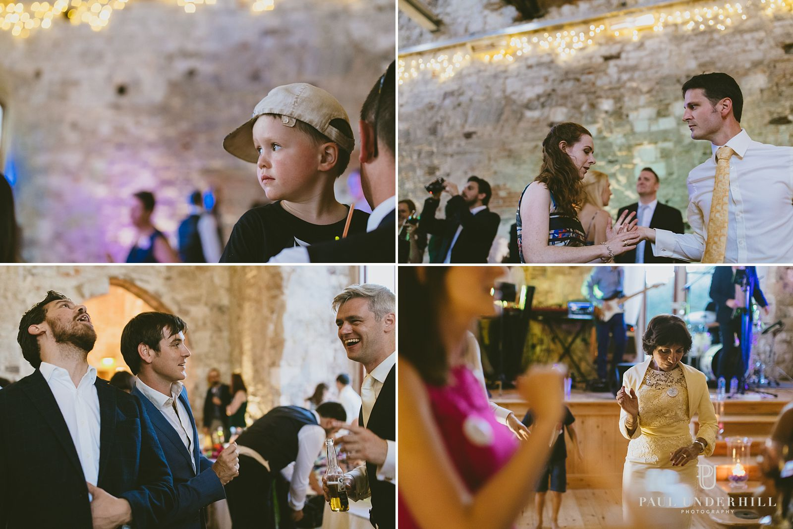 reportage-photography-wedding-guests-dancing