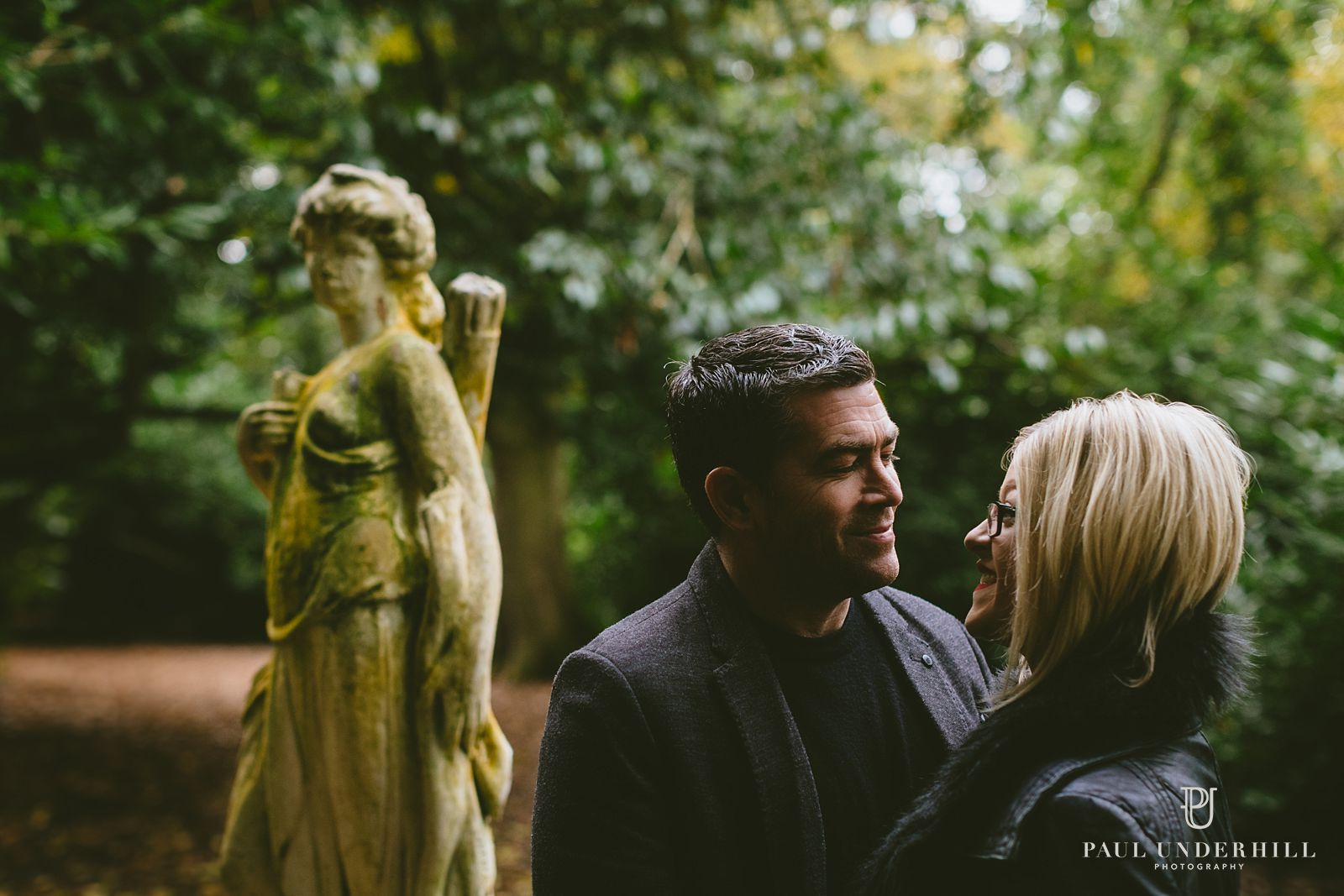 creative-portrait-photography-at-larmer-tree-gardens