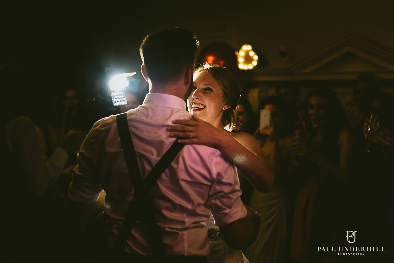 wedding-video-light-first-dance