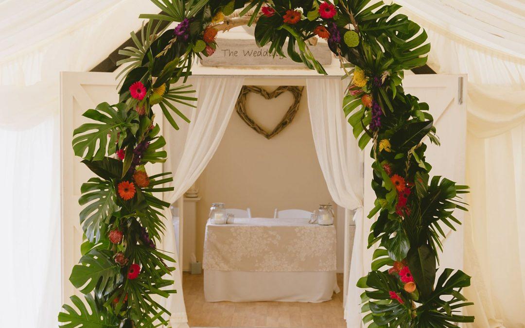 Bournemouth beach tropical themed wedding | Kate+David