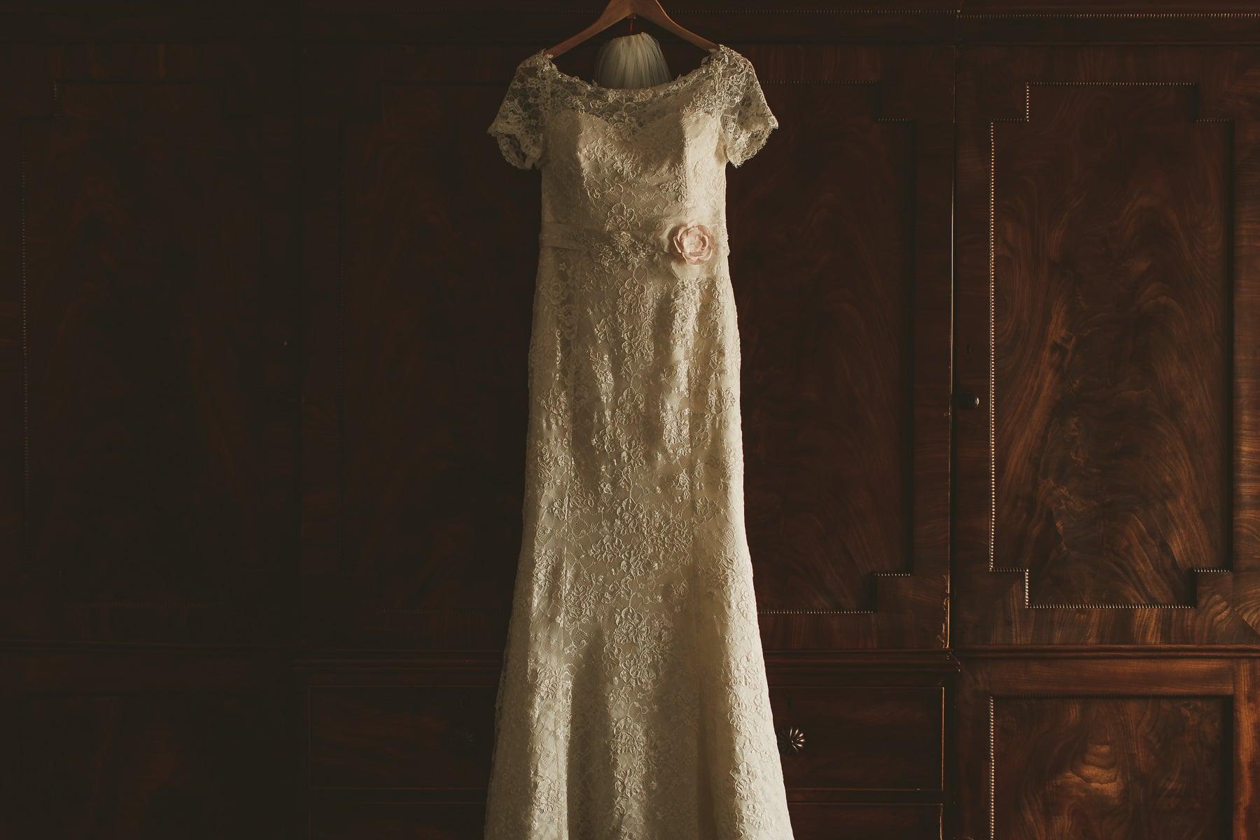 Smedmore House wedding photography brides dress